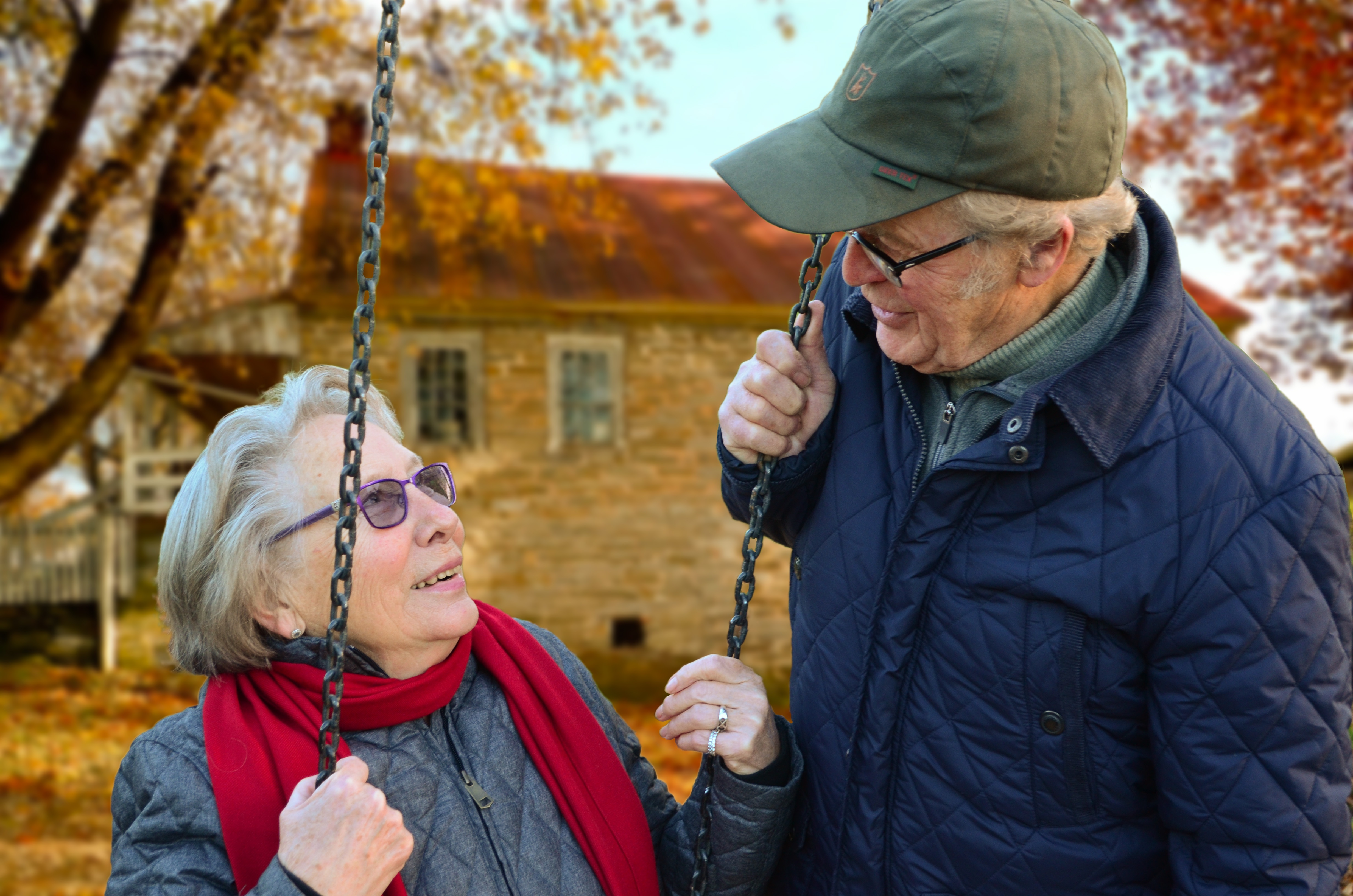 old-people-couple-together-connected_oxygensolutions